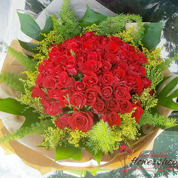 Send love flowers to Hochiminh city online