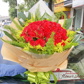 Send love flowers to Hochiminh city free delivery