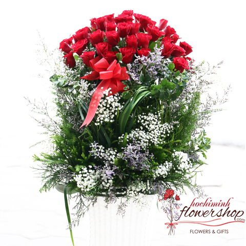 Red roses basket delivery to Hochiminh