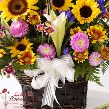 Sunflower basket for birthday in Hochiminh City