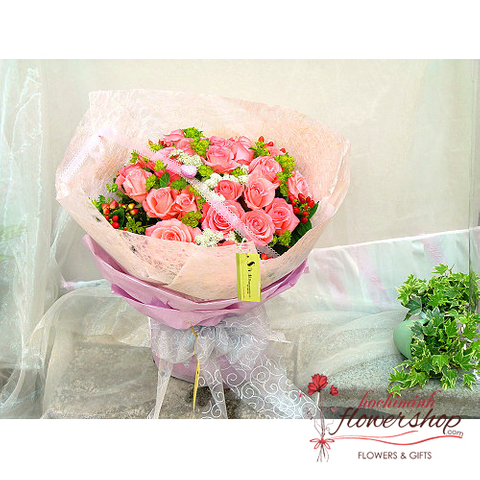 Pink roses for love flowers in HCM