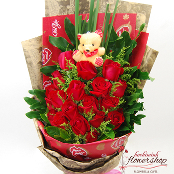Red roses bouquet delivery in Hochiminh city