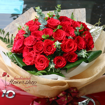 Buy red roses bouquet in HCMC