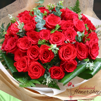 Buy red roses bouquet in HCM city