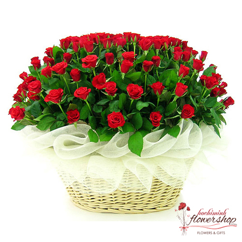 99 red roses arrangement saigon