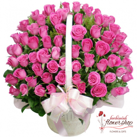 99 pink roses arrangement in hochiminh