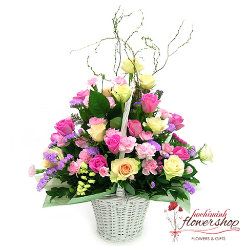 Lovely flower arrangement delivery hochiminh