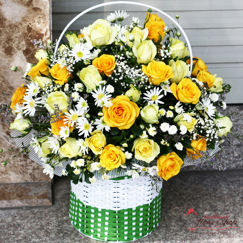 Hochiminh yellow roses basket