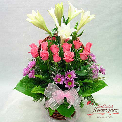 Flower arrangement free delivery district 1