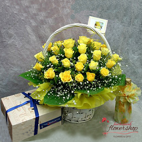 Yellow roses basket in Hochiminh flower shop