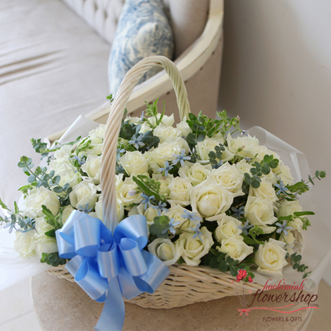 99 white roses delivery hochiminh