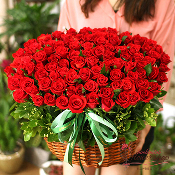 99 red roses beautiful delivery in vietnam