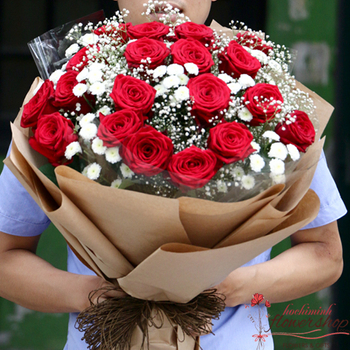 Red roses bouquet free delivery to Hochiminh