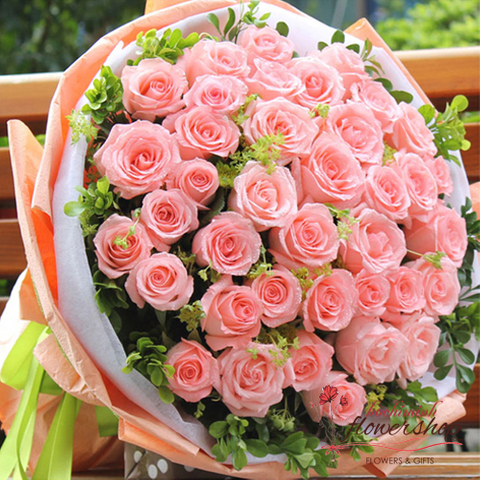 Pink rose bouquet for birthday in saigon