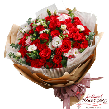 Love bouquet of red roses in Hochiminh city
