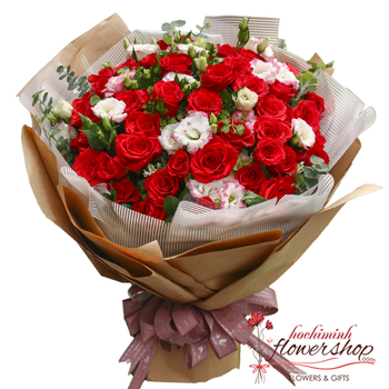 Love bouquet of red roses in Hochiminh Vietnam