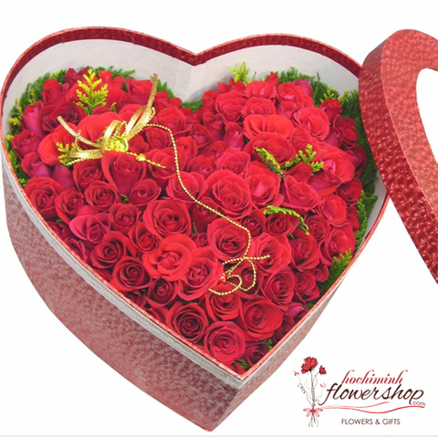 Heart shaped red roses beautiful