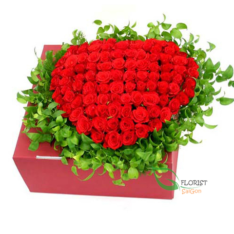 Heart shaped red roses box in hcm flower shop