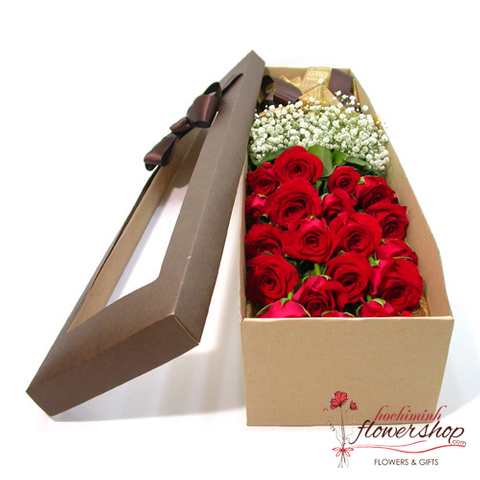 red rose and babie flower in box