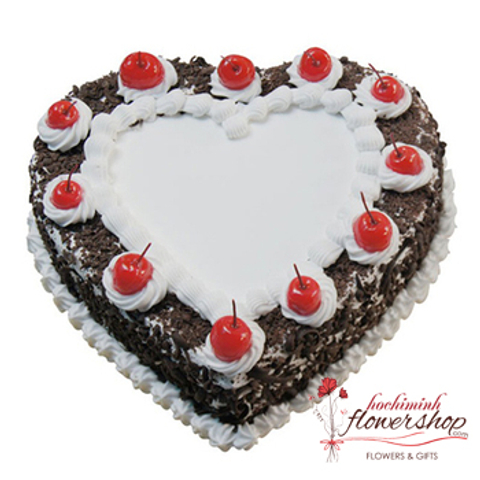 Heart shaped birthday cake in HCM