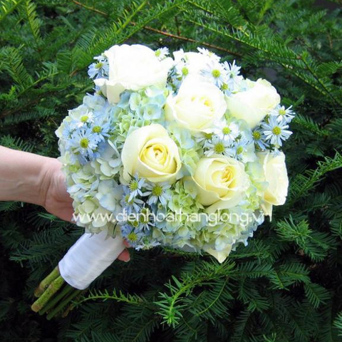 Wedding bouquet order online in hochiminh