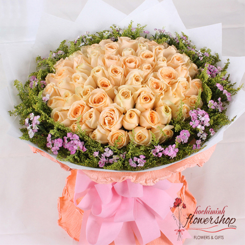 99 roses hand bouquet to HCM city