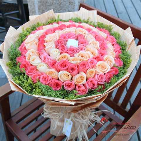 99 roses bouquet mixed
