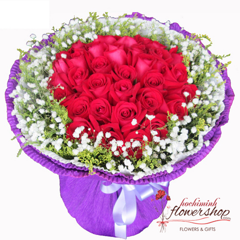Bouquet of red roses and baby's breath free shipping