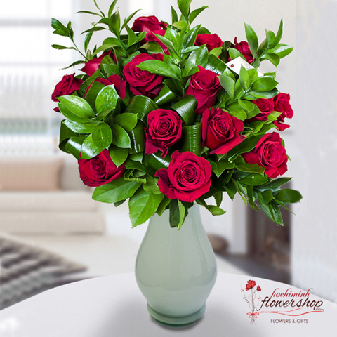 Red roses in vase for delivery in Hochiminh