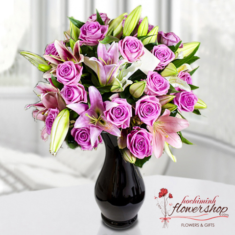 Hochiminh flowers in vase gifts