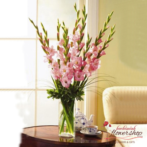 Flowers in vase to happines day