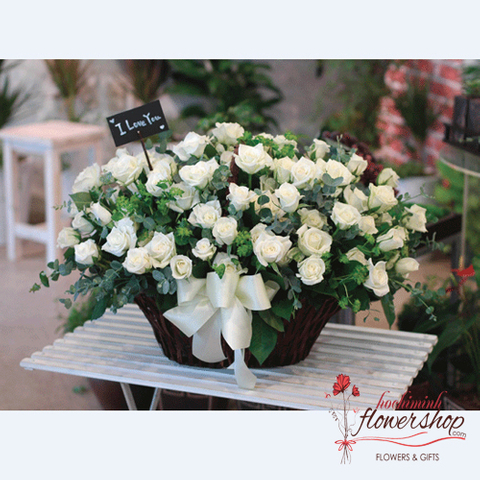 99 white roses delivery in HCM Vietnam