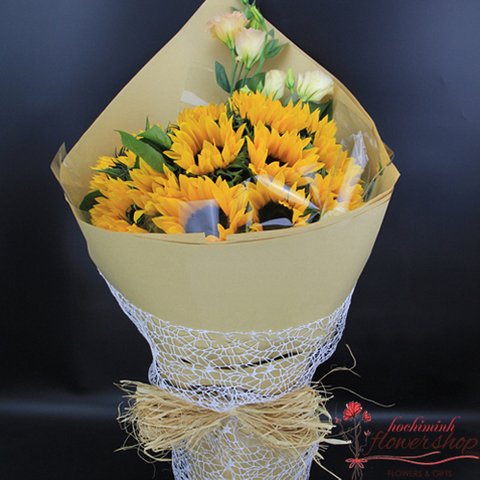 Sunflower arrangement with lisianthus bouquet
