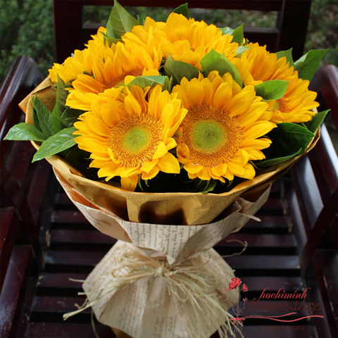 Bouquet of sunflower free deliver to Hochiminh