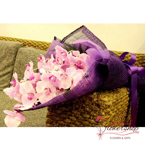 Pink orchid bouquet for delivery in HCM city
