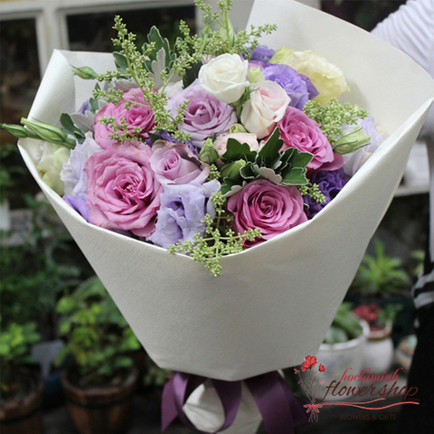 Romantic flowers for girls friend