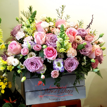 Roses basket birthday to Mom in HCM city vietnam