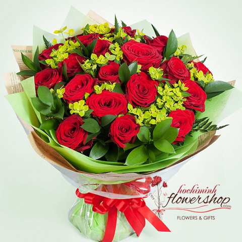 Hochiminh birthday flowers with red roses bouquet