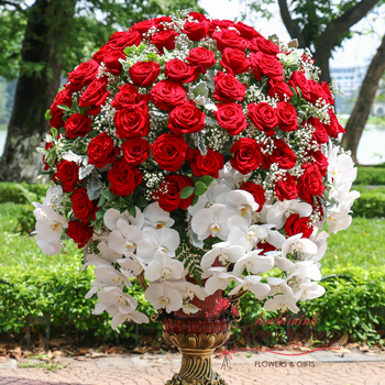 VIP flowers with red roses in Hochiminh city Vietnam