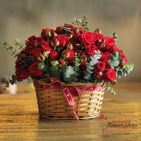 Red roses for Hochiminh Christmas
