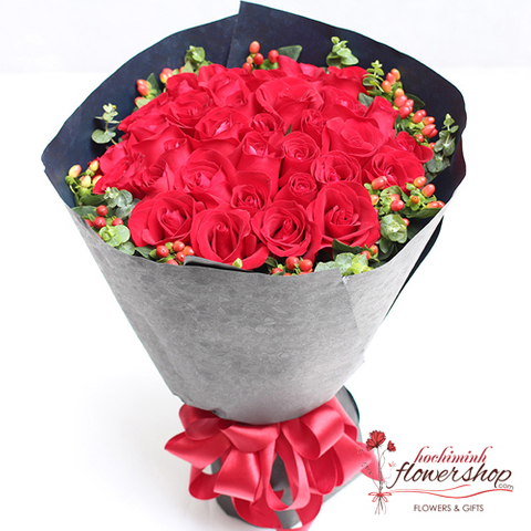 Xmas flower arrangements bouquet