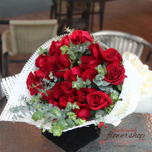 Bouquet of red roses free ship