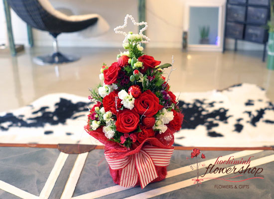 ​Christmas flowers tree delivery in Saigon