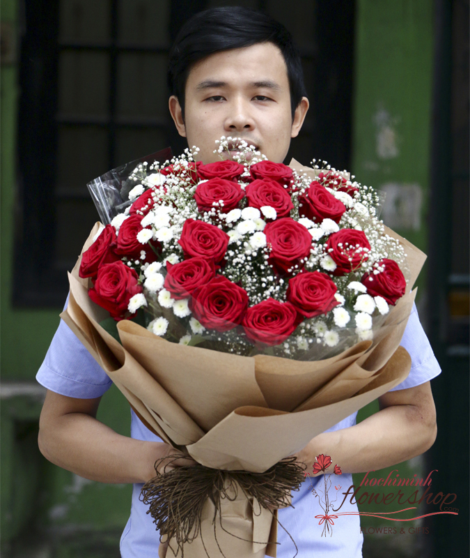 Happy Christmas with red roses