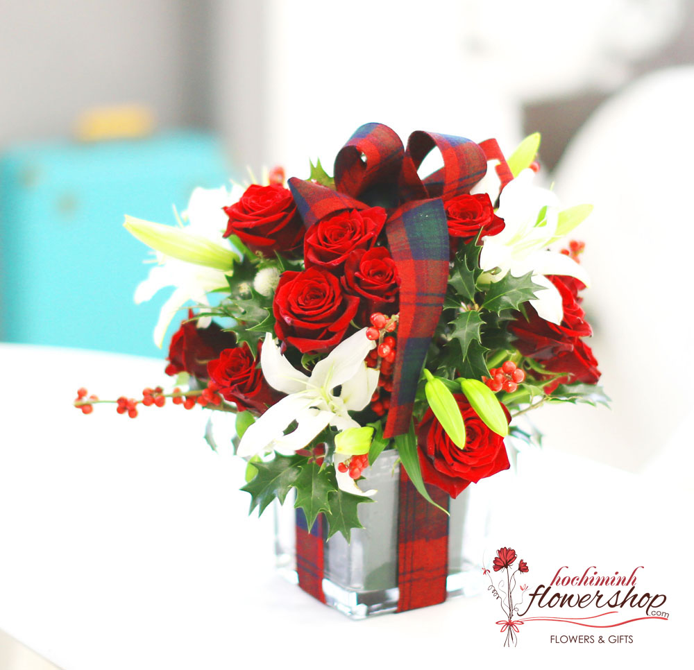 Hochiminh Christmas flowers gifts free delivery