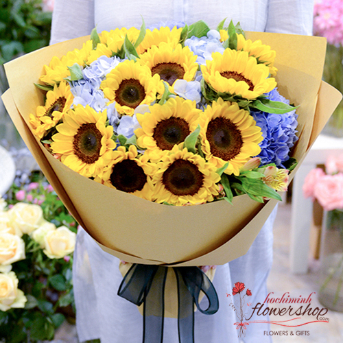 Sunflower birthday bouquet in HCM city