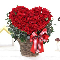 Valentine's day flowers delivery HCMC