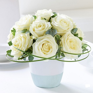 White flowers delivered Hochiminh city